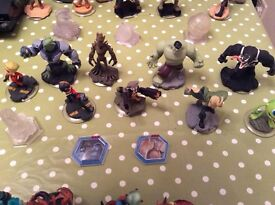 PS3 Disney infinity game,stand and characters.