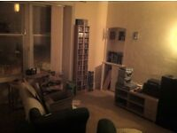 Large two bedroom flat,Gas central heating, with new bathroom in stobswell Dundee