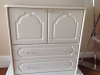 Chest of drawers/Tallboy