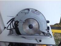MAKITA 5903R 110 volt - 9 inch circular saw with blade