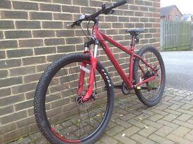 "Carrera Sulcata mountain bike, red, like new condition, 29"" Kenda tyres, 24 speed"