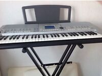 YAMAHA Keyboard P S R S500 (Including approx £200 MUSIC)