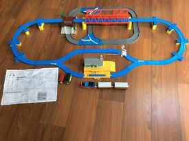 THOMAS THE TANK ENGINE- ADVENTURE SET WITH MOTORISED BULGY HELICOPTER, MOVING BERTIE AND BULGY BUSES