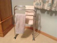 Classy towel rail