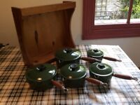 Le Creuset (set of 5 pans in Forest Green and stand)