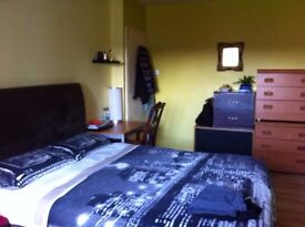 Large double room to rent in Stockwell