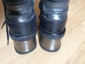 Used New Rock Boots