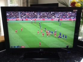 32 inch LG Modern HD TV with Freeview