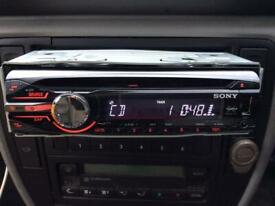 SONY XPLOD CD PLAYER CDX-GT450U USB/AUX/52Wx4WITH CAGE AND ALL WIRING. Very good condition