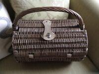 Barrel shaped wicker picnic hamper cream interior with cutlery NEW £18