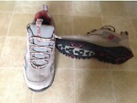 Jack Wolfskin size 4 walking shoes