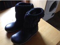 Women 's crocs boots