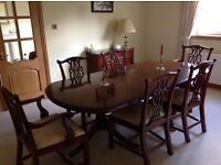 Bradley large reproduction mahogany dining table with two extension leafs and 6 chairs as new