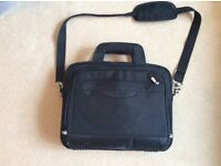 """DELL 15"""" LAPTOP BAG. Good condition. Other bags available...please ask."""