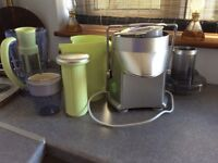 WHOLE FRUIT JUICER AND BLENDER ROSEMARY CONLEY