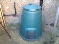 Compost bin, green plastic