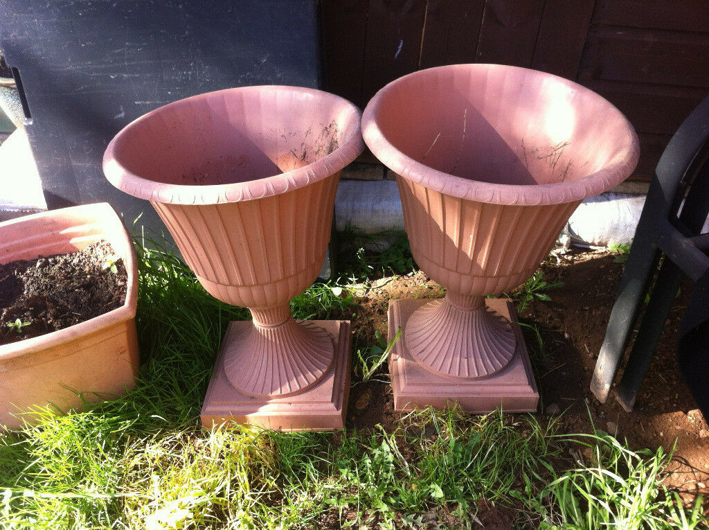 tall decorative plastic plant pots