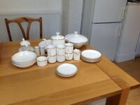 Royal Doulton (Gold Concord) china dinner service