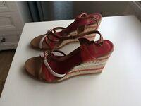 Clarks sandels size 6