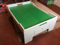 Green play table.