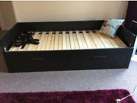 Ikea daybed, like new!