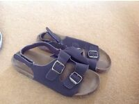 2 pairs summer shoes