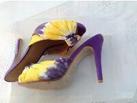 Stunning hidden platform shoes size 7