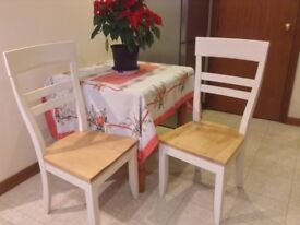 Upcycled chairs, ideal for Christmas