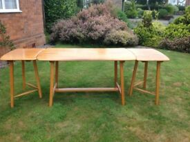 Ercol extending dining table and 5 chairs