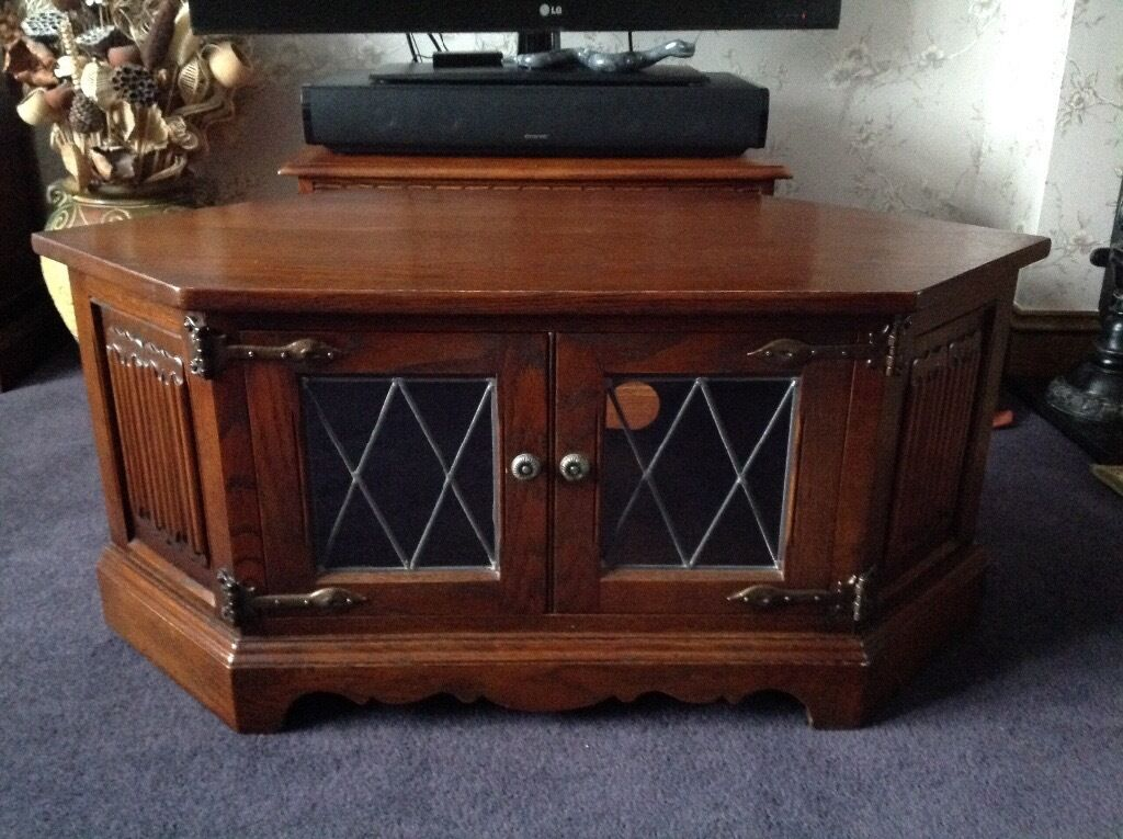 Old charm solid oak tv unit diamond lead glazed doors for Coffee tables norwich