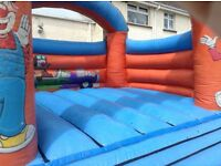 Bouncy castles & bungee run ex hire