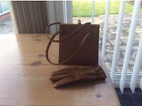 1950/1960s vintage handbag with matching gloves