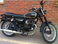 December SALE Black or Green Herald Classic 125cc Great Looking Retro bike RRP £1,750 Call NOW