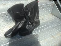 Mens leather bike boots size 42 only £10
