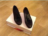 Capezio girls/ ladies leather tap shoes