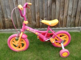 Girls 12 Inch Bike for Age 3-4 (Hardly Used!) Barbie design