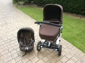 Mamas and Papa's 2in1 Skate Pram/Pushchair. Car seat AND isofix Great Condition.Easy 2 use