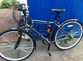 "Dawes ""Discovery Trail"" hybrid bike (with mudguards) - £140 o.n.o."
