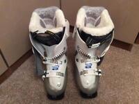Salomon ladies ski boots size 3