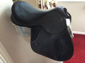 "Thorowgood Griffin 17.5"" Saddle"