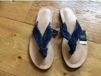 Ladies sandals size 4 new