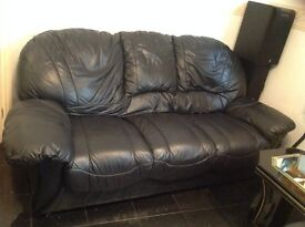 Italian Black Leather Seater 3+2+1 Settee in reasonable conditions