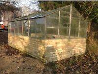 FREE - large greenhouse 4.3m x 2.6m