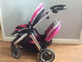 Oystermax pram with pink seats