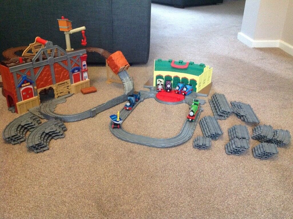 Take-n-play Thomas the Tank Engine Tidmouth Sheds and Misty Island Rescue