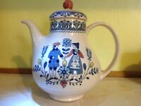 Teapot/Coffee Pot. Johnson Brothers Hearts and flowers design.