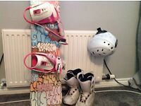 115cm Snowboard with bindings and Size 2 Boots (used) and Age7-10 Helemt (unused)