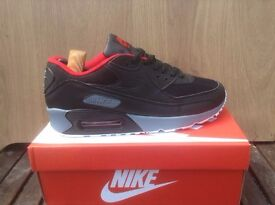 NIKE AIR MAX 90 BLACK / RED / GREY / LEATHER TRAINERS / UK 7 ***BRAND NEW IN BOX***