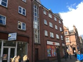 Alloa, Candleriggs. Upper one bed flat