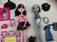 Draculaura and Frankie Stein Monster High dolls